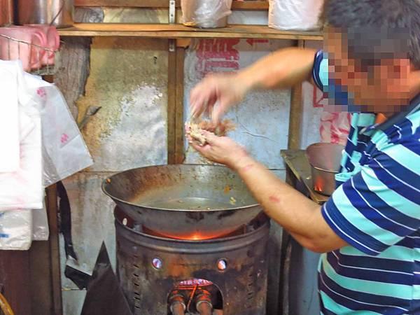【蘆洲】蘇記鐤邊趖八寶冬粉豬油飯-料多到爆炸的鐤邊挫