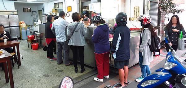 【新莊美食】國泰豆漿-薄又軟Q微鹹香的燒餅