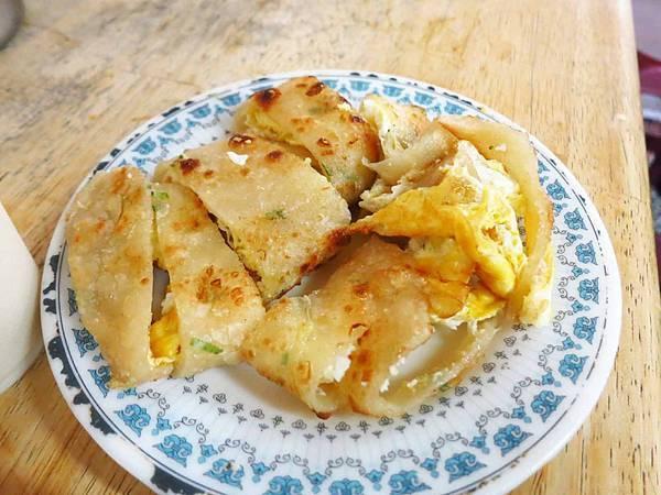【板橋美食】豆莊豆漿店-超人氣早餐手工雙蛋蛋餅