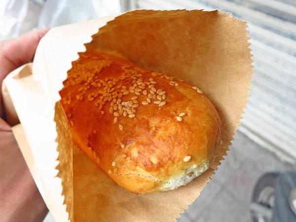 【板橋美食】郭江蘇炭烤燒餅-酥脆美味口感滿分的甜餅