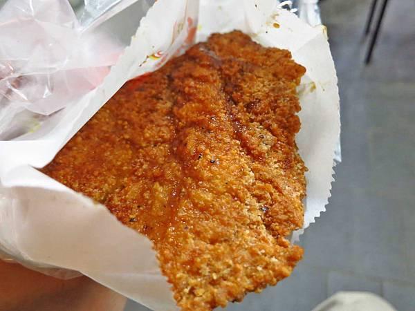 【三重美食】力行路二段碳烤蜜汁雞排-軟嫩多汁的碳烤雞排