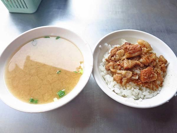 【高雄美食】郭家肉燥飯-在地超過20年老字號的魯肉飯