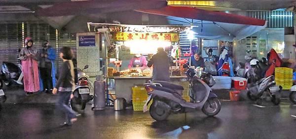 【蘆洲美食】蔡家東山鴨頭-人潮源源不斷的東山鴨頭