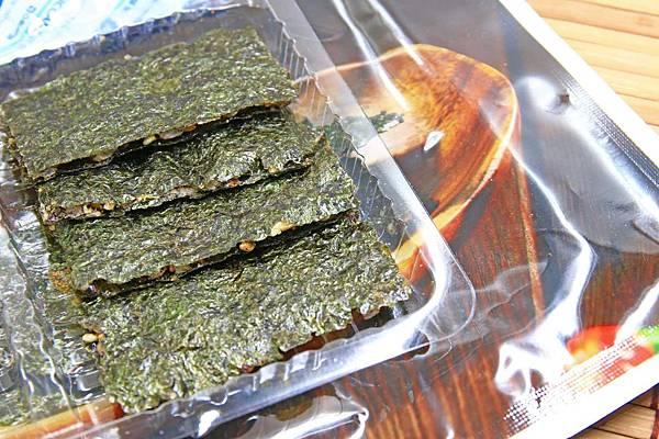 【送禮自用兩相宜】小食趣黑米夾心海苔-美味的夾心海苔