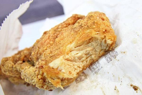 【三重美食】噴汁炸雞-1元硬幣厚度的厚切爆汁雞排