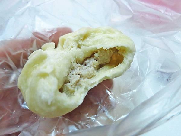 【新莊美食】丁董小籠包-裡面有湯汁的小籠包