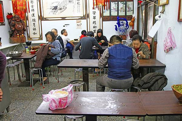 【台北美食】老牌牛肉拉麵大王-城中市場裡的超人氣美食