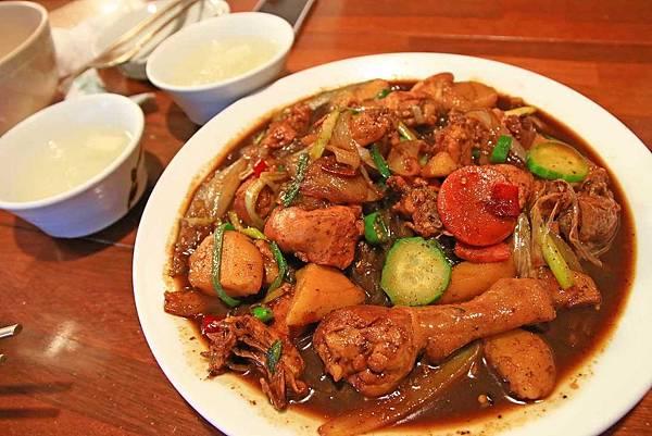 【韓國首爾】鳳雛燉雞(봉추찜닭)-特殊醬汁燉煮的軟嫩雞肉