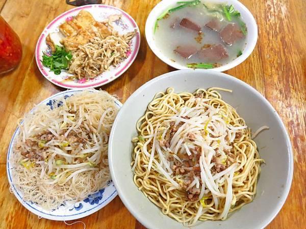 【台北美食】和平東路巷仔內米粉湯-附近上班族、學生最愛的隱藏版美食