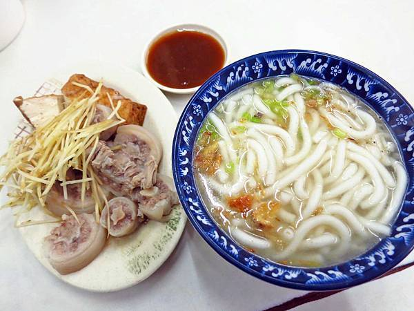 【新莊美食】新泰米苔目-老街附近的老店米苔目