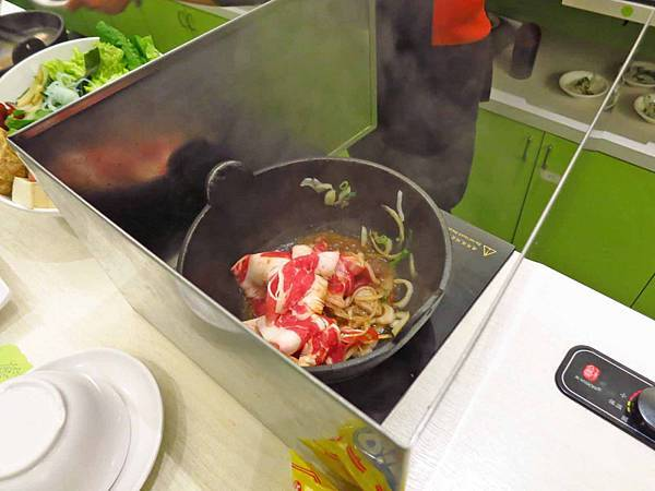 【台北餐廳】久陶火鍋-湯鮮味美價格又便宜的石頭火鍋