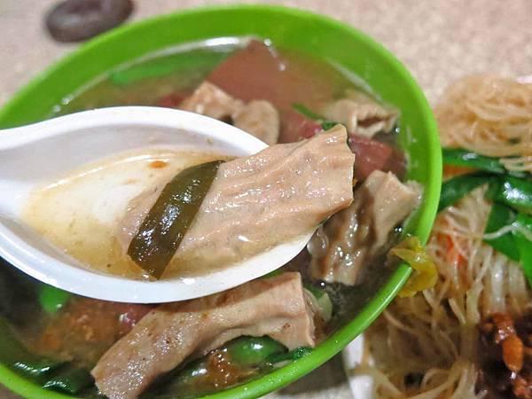 【新莊美食】新莊夜市豬血湯-超過40年的夜市老店