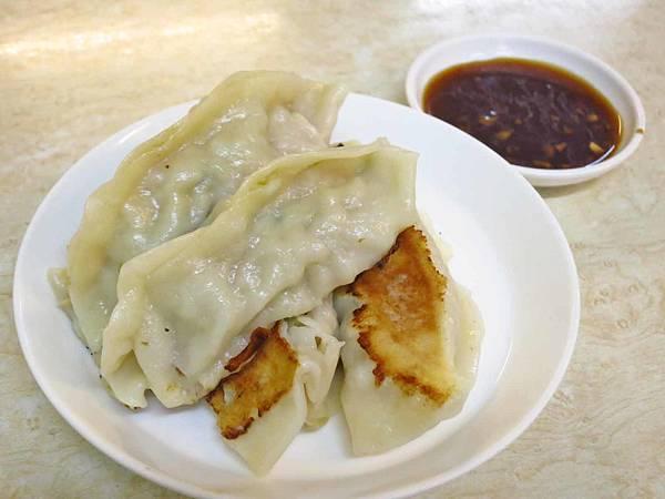 【蘆洲美食】姐妹湯包鍋貼-皮薄餡多的鍋貼湯包店