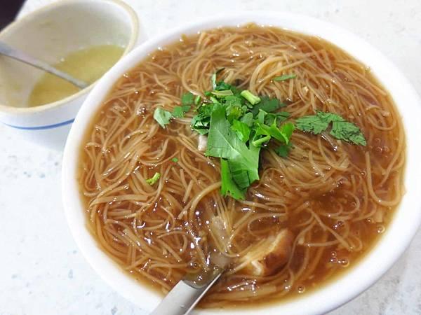 【萬華美食】海產街蚵仔麵線-大顆又飽滿的鮮甜蚵仔