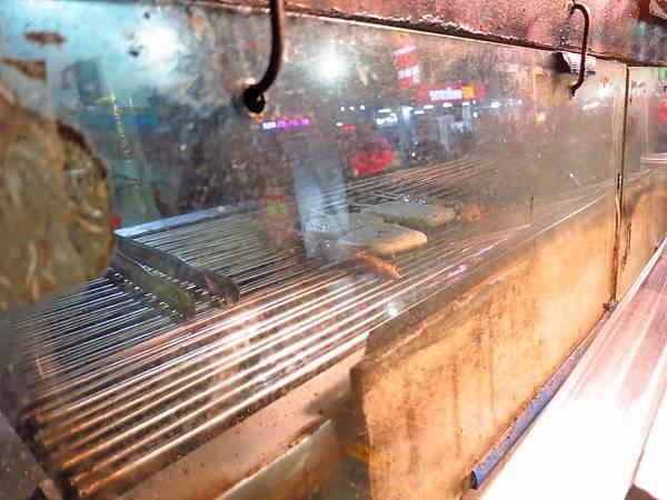 【三重美食】夯師傅碳烤-充滿炭香味的碳烤美食