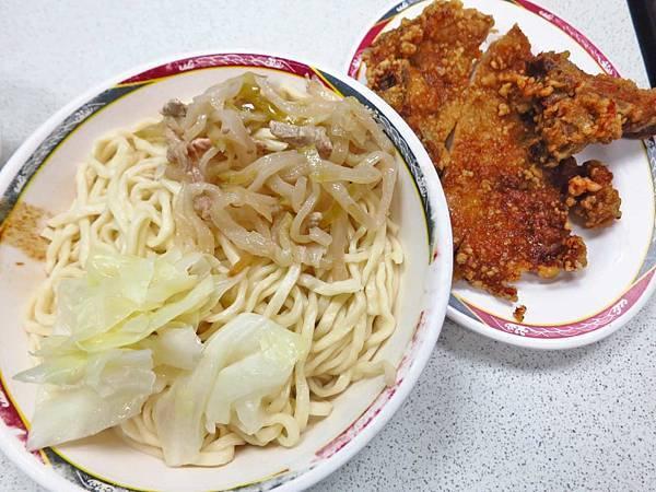 【台北美食】佳味排骨麵-厚度達2公分以上的厚切排骨
