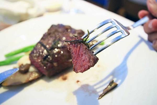 【台北餐廳】雅室牛排SteakInn-不到600元就能吃到高級牛排
