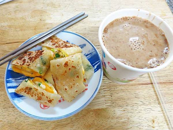 【淡水美食】姐妹中西式早點-淡江大學學生才知道的爆漿早餐