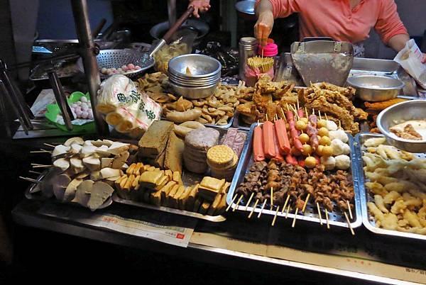 【三重美食】阿嬤無骨鹽酥雞-附近居民才知道的鹹酥雞店