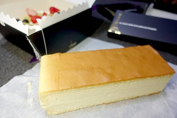 【台北美食】法國的秘密甜點-法國的秘密甜點 大安2店超驚人,限定藍紋乳酪鮮奶蛋糕,東區打卡新地標