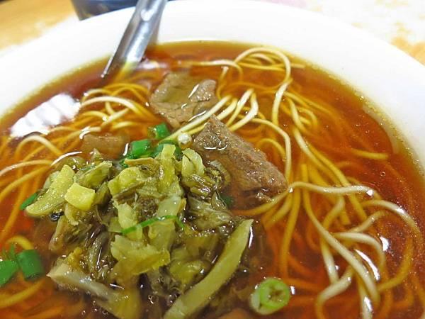 【新竹美食】三廠麵店-60元就能吃到超便宜牛肉麵
