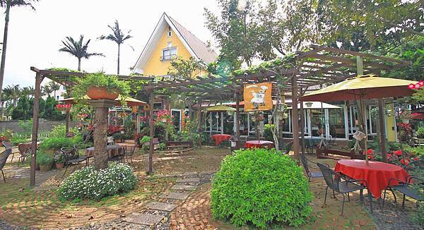 【桃園餐廳】阿勃勒農莊-佔地超過1200坪超大花園餐廳
