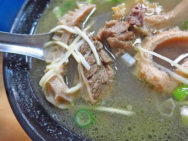 【澎湖美食】北新橋牛雜湯-無時無刻都是滿滿人潮的牛肉湯店