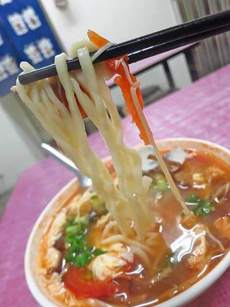【新莊美食】天香麵食館-酸酸甜甜的美味番茄麵