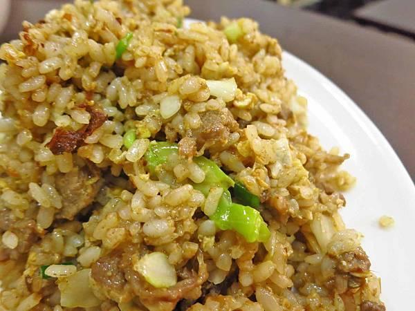 【三重美食】小陳食堂-吃過都讚不絕口的炒飯、炒麵