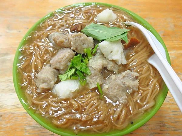 【淡水美食】麵線大王-滿滿配料的超豐富麵線