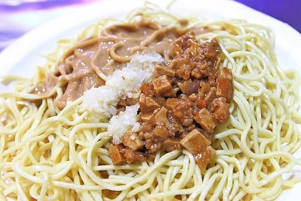 【板橋美食】老陳涼麵-每天只開四小時的宵夜美食