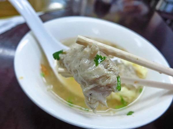 【板橋美食】巧園雞肉飯-使用肉塊做成的魯肉飯
