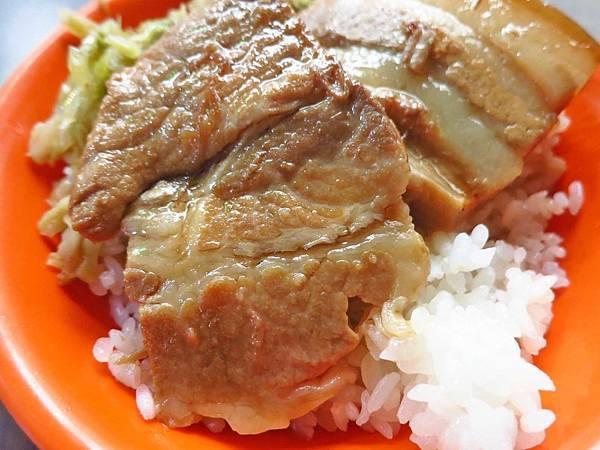 【台北美食】台北橋頭滷肉飯-美味的焢肉飯宵夜美食