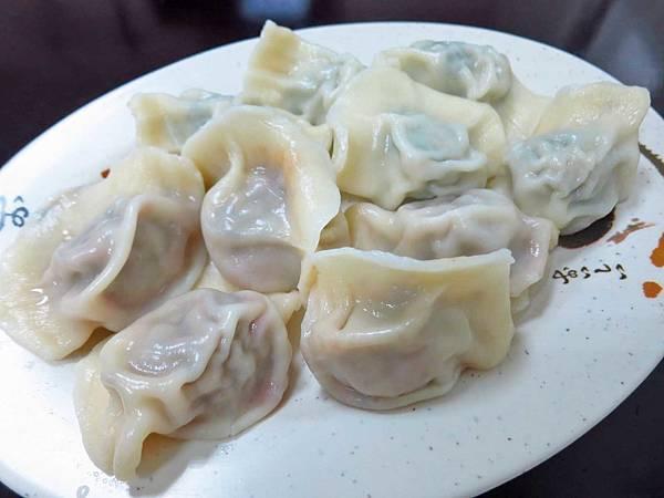 【蘆洲美食】畢家精緻山東水餃-超過十種不同口味的爆漿水餃