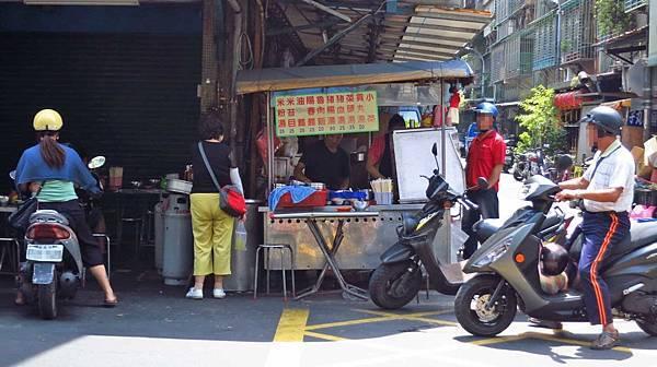 【新莊美食】福壽街無名米苔目-湯頭鮮甜不顯眼的小吃店