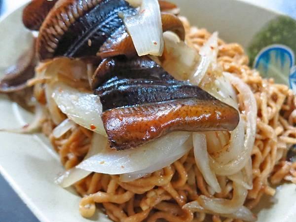 【台南美食】德興鱔魚意麵-酸酸甜甜好吃的鱔魚意麵