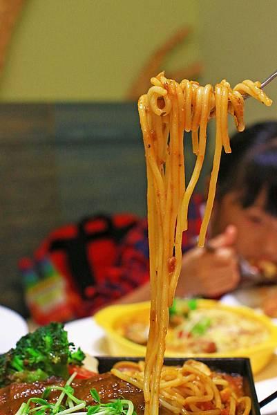 【新莊餐廳】MS.YE LU 義式廚房-義式一鍋一燒獨創新吃法