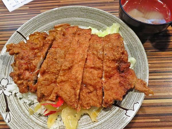 【台北美食】一級排骨-厚度1公分以上的隱身西門町的排骨飯