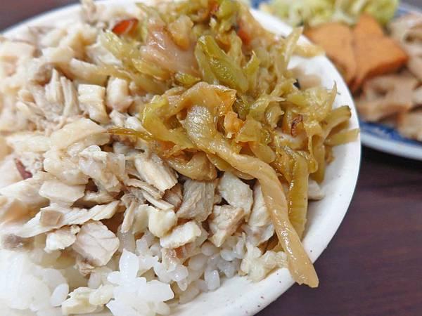 【蘆洲美食】佳香火雞肉飯-充滿著油蔥香的雞肉飯
