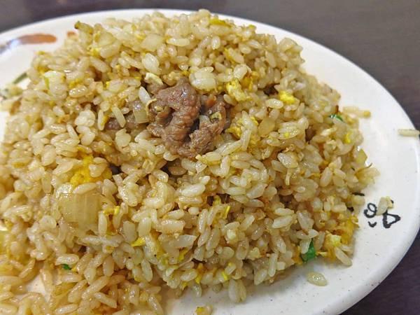【板橋美食】隆炒飯大王-需等半小時以上才能吃到的超美味炒飯