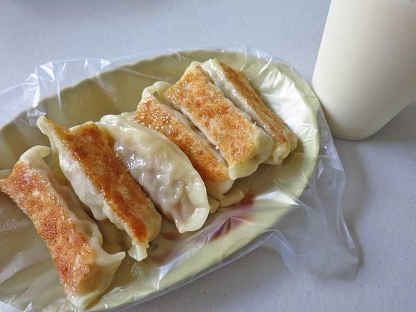 【台北美食】芝山豆漿店-喝了令人難忘的焦香味豆漿