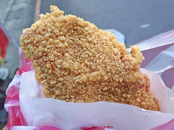 【新莊美食】芳味大Size雞排-比臉還要大的超大雞排