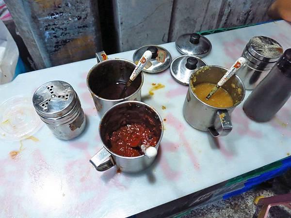 【台北美食】士林廟口阿輝麵線-25元就能吃到大腸麵線