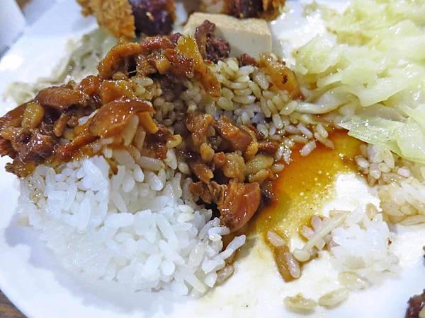 【台北美食】食來運轉-高CP值,魯肉飯免費無限量吃到飽