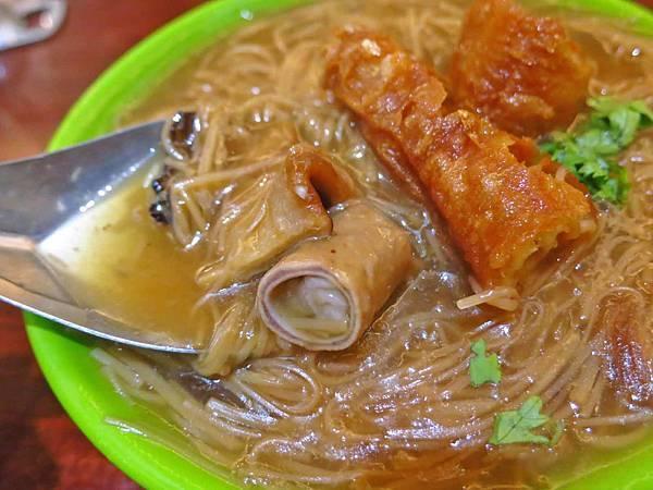 【桃園美食】阿燁紅麵線-獨特的油條配麵線新吃法