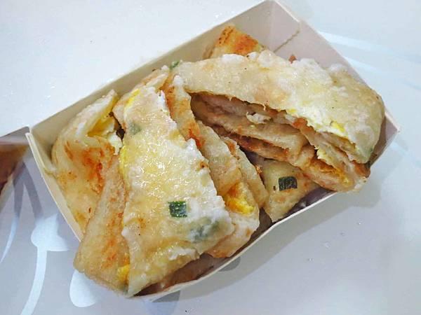 【台北美食】昌吉街手工蛋餅-像蔥油餅的大份量手工蛋餅