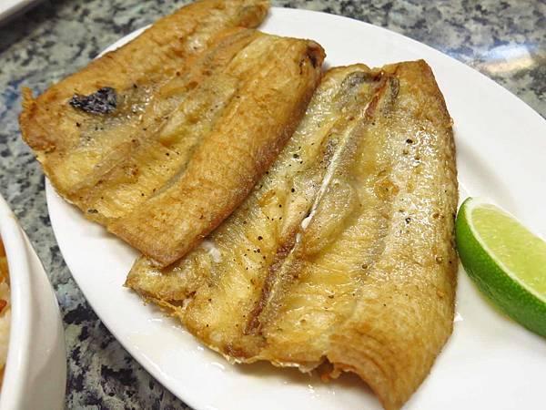 【台北美食】阿財虱目魚-還沒有開店就大排長龍的宵夜美食