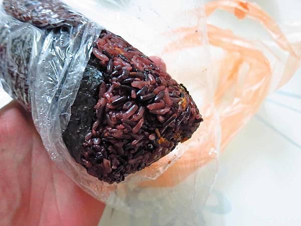 【台北美食】劉媽媽飯糰-電視媒體爭相報導的排隊早餐