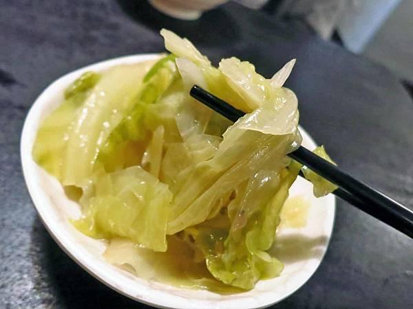 【台北美食】西門金鋒魯肉飯-西門町裡超便宜又美味的魯肉飯
