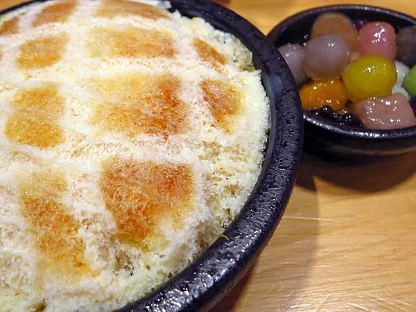 【台北美食】台南東區焦糖煉乳包心粉圓-熱量爆表,令人驚艷的超大焦糖冰